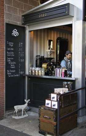 5 desain warung kopi rumahan yang instagramable banget